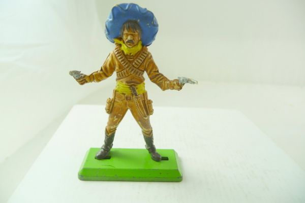 Britains Deetail Mexican standing with 2 pistols - 1 pistol shortened