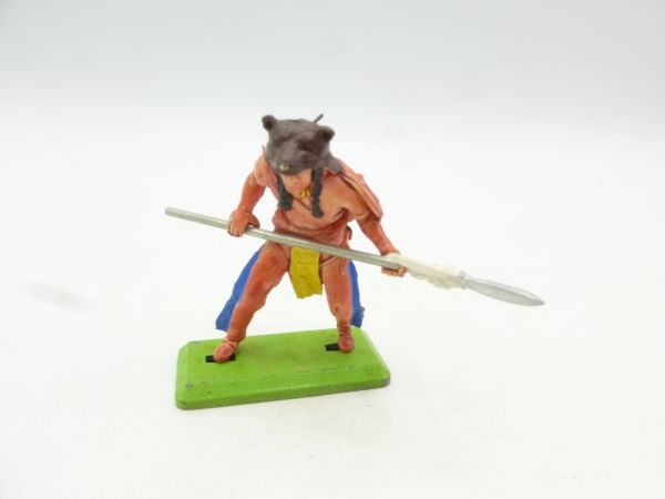 Britains Deetail Indian with bearskin, spear in front of the body