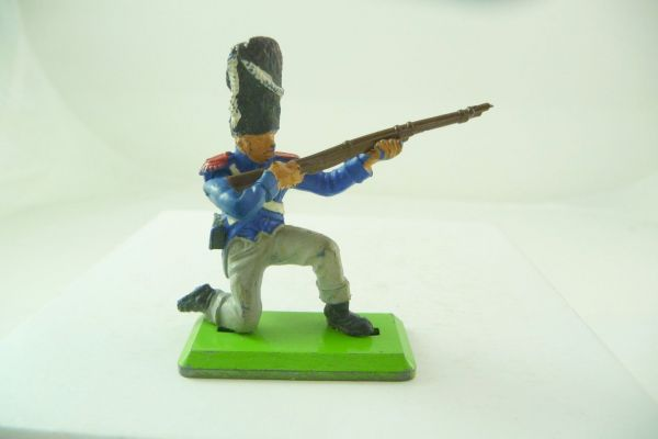 Britains Deetail French kneeling firing