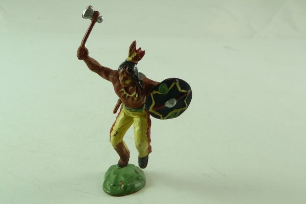 Britains Indian with tomahawk and shield, No. 502 (made in UK)