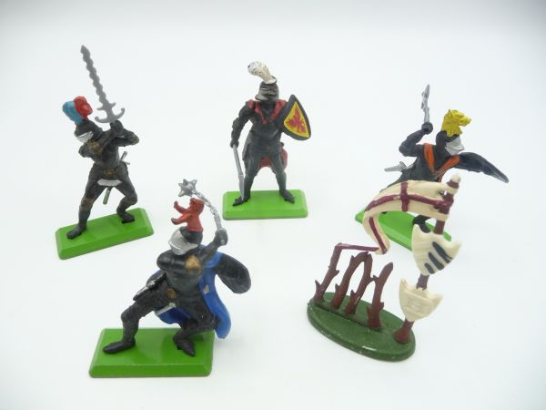 Britains Deetail 4 black knights with accessories