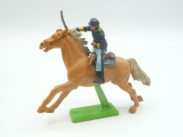Britains Deetail Union Army soldiers on horseback, storming with sabre